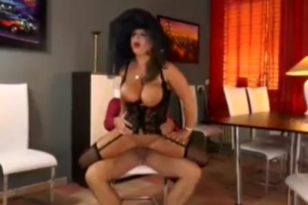 Udovica voli anal